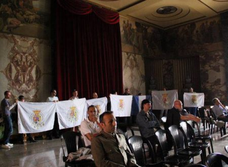Salerno: irruzione con bandiere duosiciliane al convegno sui bersaglieri