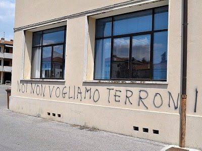 """Torino: """"un terrone in meno da mantenere"""""""
